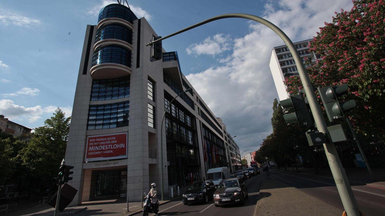 """Die SPD-Zentrale in Berlin (Archivbild): Was weiß die Parteiführung über die zweifelhaften """"Rent-a-Sozi""""-Geschäfte?"""