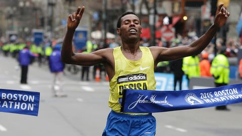 Der Läufer Lelisa Desisa aus Äthiopien nimmt am Experiment teil