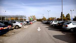 Parken beim Supermarkt