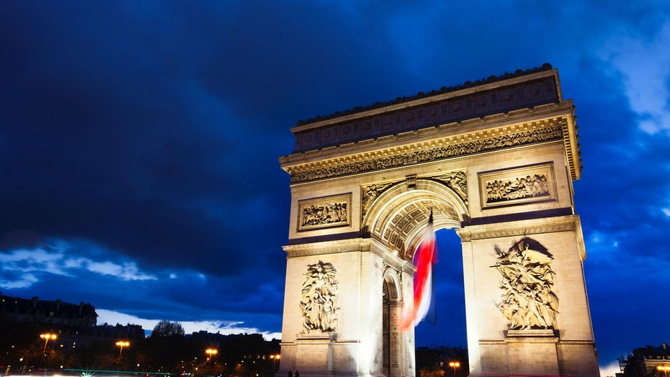 Macron gegen Le Pen: Außenseiter und schmutziger Wahlkampf: Das müssen Sie zur Frankreich-Wahl wissen