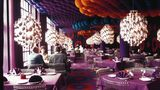 """Die Entwürfe des Dänen Verner Panton sind bis heute populär. Er gilt als einer dereinflussreichsten Möbeldesigner und Innenarchitekten des 20. Jahrhunderts. Panton entwarf auch die Kantine des Hamburger Magazins """"Der Spiegel""""."""