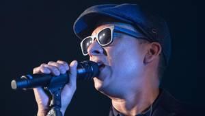 Der Sänger Xavier Naidoo wird für seinen neuen Song mit den Söhnen Mannheims stark angefeindet