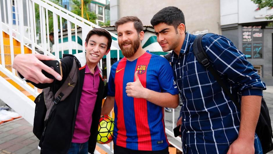 Double von Lionel Messi: Iraner hat zu viele Fans, Polizei muss einschreiten