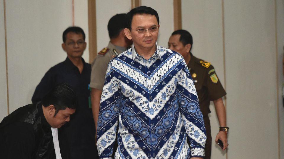 Jakartas Gouverneur Basuki Tjahaja Purnama geht zur Urteilsverkündung
