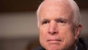 Der Republikaner John McCain sieht die Entlassung von FBI-Direktor James Comey kritisch