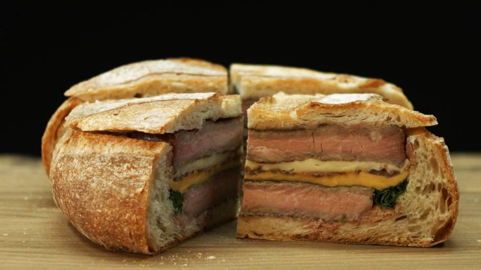 Riesen-Steak-Sandwich: Mit diesem Pausenbrot sind Sie der König im Büro