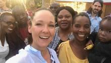 Carolin Kebekus in Sambia