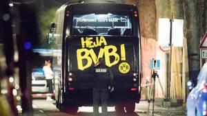 Der Mannschaftsbus des BVB nach dem Anschlag am 11. April