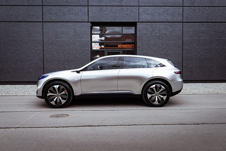 Mercedes Concept EQ - rund 4,70 Meter lang