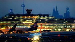 Gleich zwei Zwischenfälle ereigneten sich am Freitagabend am Flughafen Köln/Bonn (Symbolbild)