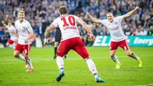 Pierre-Michel Lasogga spielte in dieser Bundesliga-Saison beim HSV kaum eine Rolle, erzielte nun das wichtige 1:1 auf Schalke
