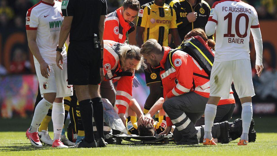 Julian Weigl spürte bereits auf dem Platz, wie ernst die Verletzung sein würde