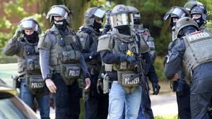 Das SEK fahndete nach dem zwischenzeitlich flüchtigen Schützen in Hamburg