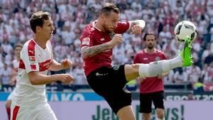 Stuttgart und Hannover spielten gegeneinander, ihr ziemlich sicherer Aufstieg wurde aber in Bielefeld ermöglicht