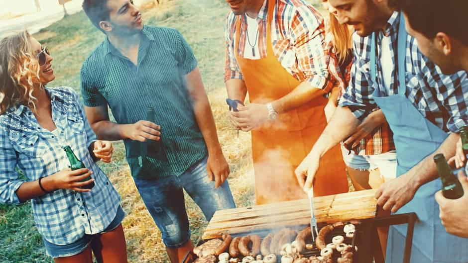 Grillen: Hersteller locken mit Zubehör