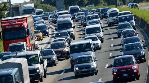 Auf der Autobahn A5 hatte die Polizei einen ungewöhnlichen Einsatz (Symbolbild)