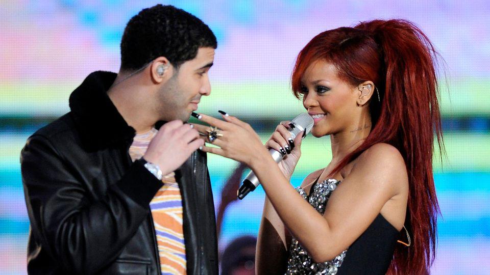 Rihanna und Drake bei einer Live-Performance