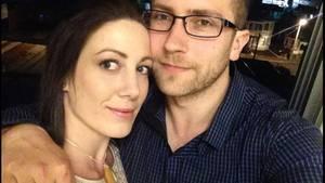 Terry und Anna sind jetzt verlobt.