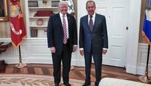 Donald Trump und Sergei Lawrow: Kleiner Austausch von Geheimnissen
