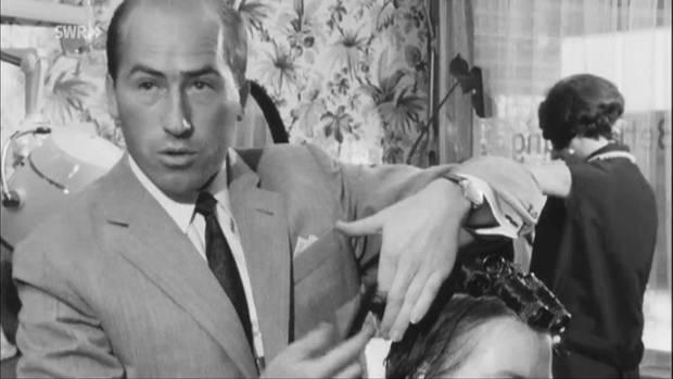 """""""Müller, Friseur"""", so stellt sich Erwin Müller manchmal heute noch vor. Er startete mit einem Salon (hier 1967), expandierte und besitzt nun Deutschlands drittgrößte Drogeriekette."""