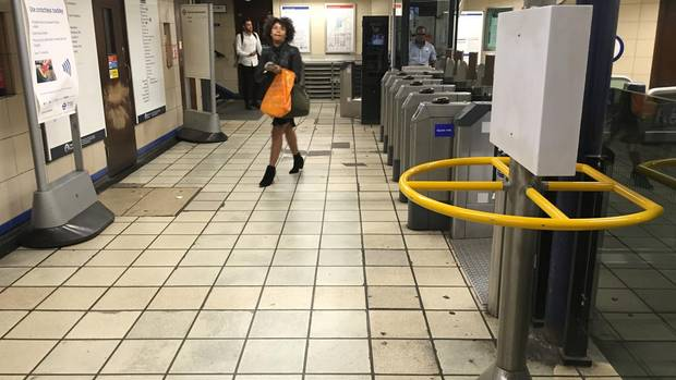 Tatort in der U-Bahnstation: Hier versuchte der Angreifer, Zimmerman mit einem Messer zu köpfen