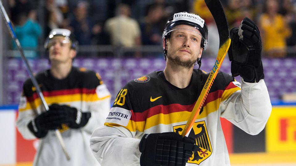 Deutschlands Frank Holter verabschiedet sich nach Aus bei Eishockey-WM von Fans