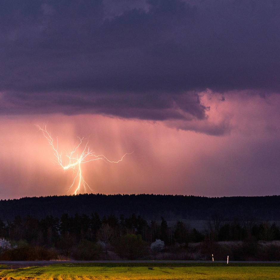 Deutschland Wetter Schwere Unwetter Chaos Am Hamburger Flughafen