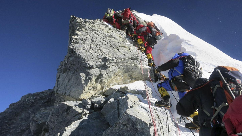 Bergsteiger bezwingen den Hillary Step des Mount Everest (Archivbild aus dem Jahr 2013)