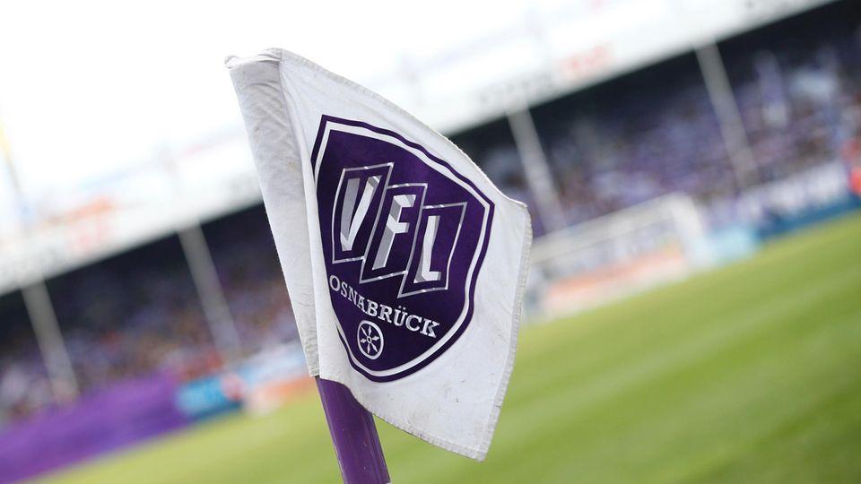 Eckefahne im Stadion des VfL Osnabrück: Drei Spieler des Clubs stehen unter Manipulationsverdacht