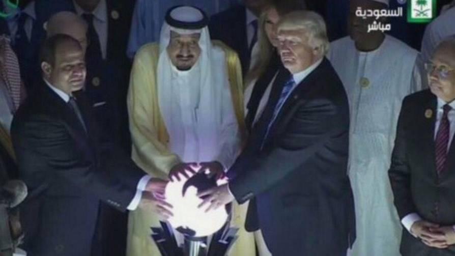 Lustige Memes: Mit diesem Foto tut sich Donald Trump keinen Gefallen