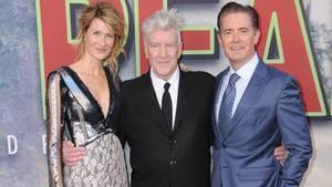 """Regisseur David Lynch mit den Schauspielern Laura Dern und Kyle MacLachlan bei der Premiere der neuen """"Twin Peaks""""-Staffel"""