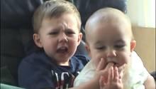 "Das YouTube-Video: ""Charlie bit my finger"""
