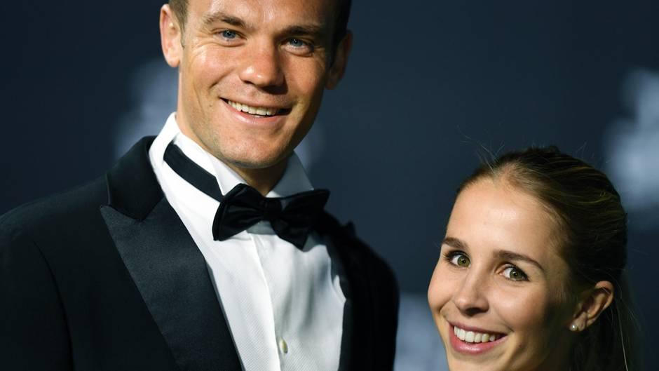 """Manuel Neuer und Nina Weiss: Am Wochenende haben sie """"Ja"""" gesagt."""