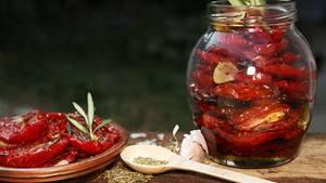 Stiftung Warentest prüft Tomaten im Glas