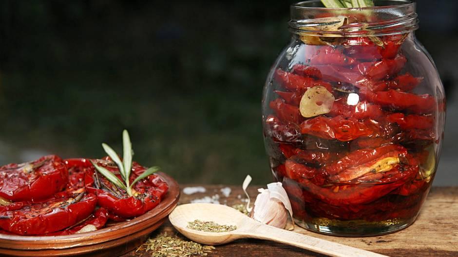 stiftung warentest pr ft tomaten im glas einige sind belastet. Black Bedroom Furniture Sets. Home Design Ideas
