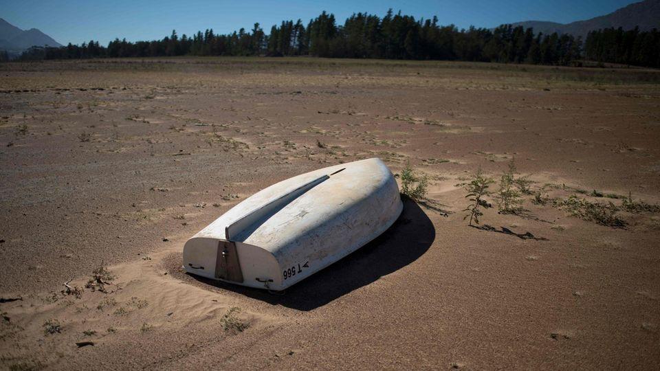 Wassermangel auch in Theewaterskloof. Die Gemeinde im Distrikt Overberg, beherbergt den größten Damm in der Region - seine Wasserkapazität liegt bei unter 20 Prozent.