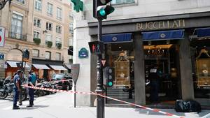 Drei Männer haben einen Juwelier im Herzen von Paris ausgeraubt