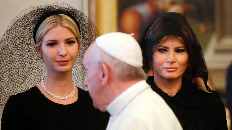 First Lady Melania Trump (47) (r.) und Donald Trumps Tochter Ivanka (35) bei Papst Franziskus