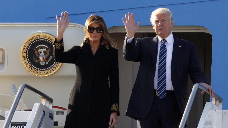 Ankunft in Rom: Sie hat es wieder getan: Melania verweigert ihrem Donald die Hand