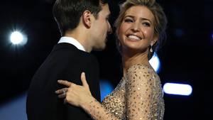 Ivanka und Jared Kushner gelten als strahlendes Traumpaar. Kushner Geschäftsgebahren hingegen ist fragwürdig.