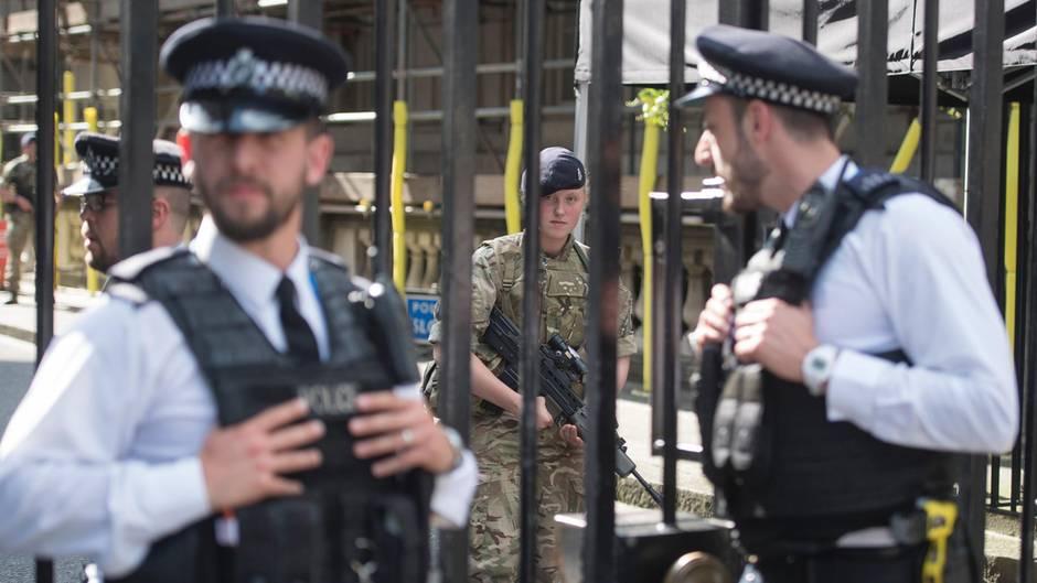 Großbritannien: Großeinsatz in Manchester beendet