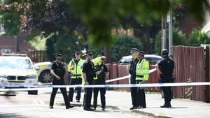 Via Twitter verbreitete die Polizei von Manchester zunächst widersprüchliche Informationen zu einem Terroreinsatz im Stadtteil Hulme - und gab schließlich Entwarnung