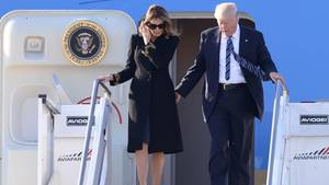 Donald und Melania Trump steigen in Rom aus der Air Force One aus