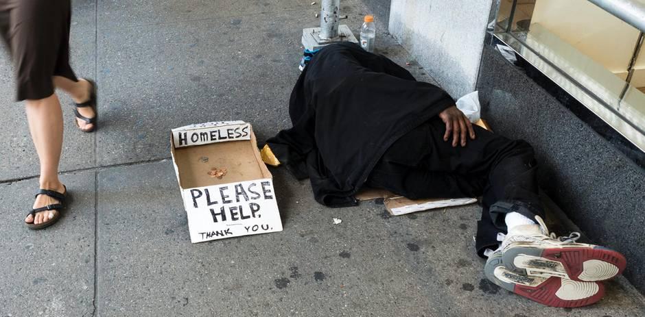 Als Dank für seinen heldenhaften Einsatz nach dem Anschlag von Manchester bekommt ein Obdachloser nun eine Wohnung (Archivbild)