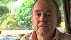 Nach dem Tod seiner Tiere istJonathan Theobold ein gebrochener Mann.