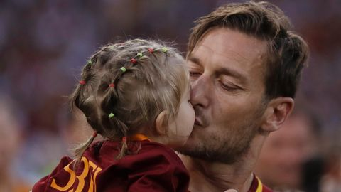 Der Abschied von Francesco Totti (mit seiner Tochter) geriet zum tränenreichen Abschied einer Legende