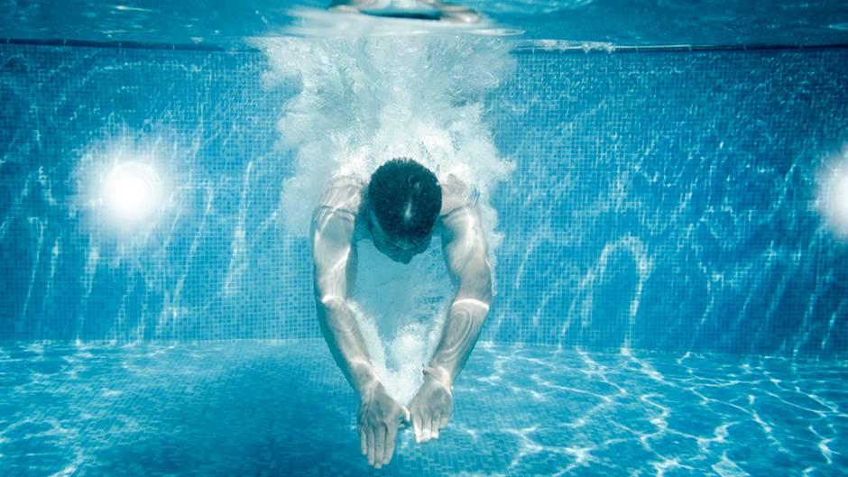 Sommerliche Temperaturen: Kopfsprung ins Wasser! Mitunter jedoch mit lebenslangen Folgen.