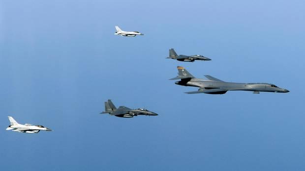 Nordkoreas Raketentest: Südkorea und USA üben mit Langstreckenbomber