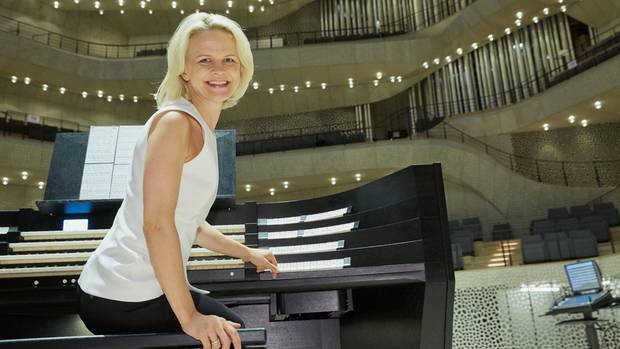 Iveta Apkalna, die Titularorganistin der Elbphilharmonie