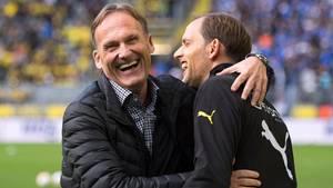 BVB-Boss Hans-Joachim Watzke mit seinem frisch gefeuerten Coach Thomas Tuchel auf einem Archivfoto